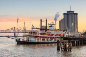 Rad-Dampfer im Mississippi vor New Orleans